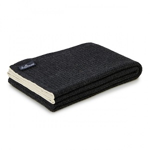 Wool knit carbon throw
