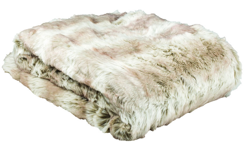 Faux Fur throw in Angorra
